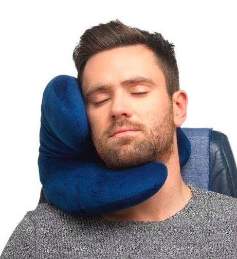 A good travel pillow is essential for getting good rest and enjoying your trip! Here are 5 very different styles that are amazing for different types of travel. #travelpillow #travelpillows #travelgear #travelaccessories #travelgifts #giftideas #theglobalgadabout #travelblog #travelblogger